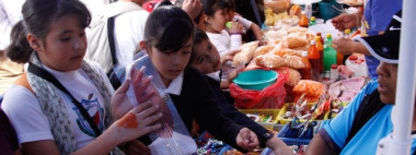 Comida chatarra en escuelas y ausencia de productos saludables