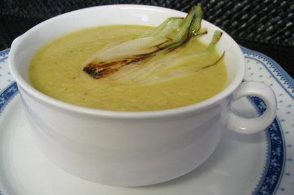 Sopa de tomate verde