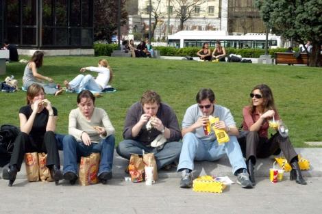 El reto de comer comida rápida