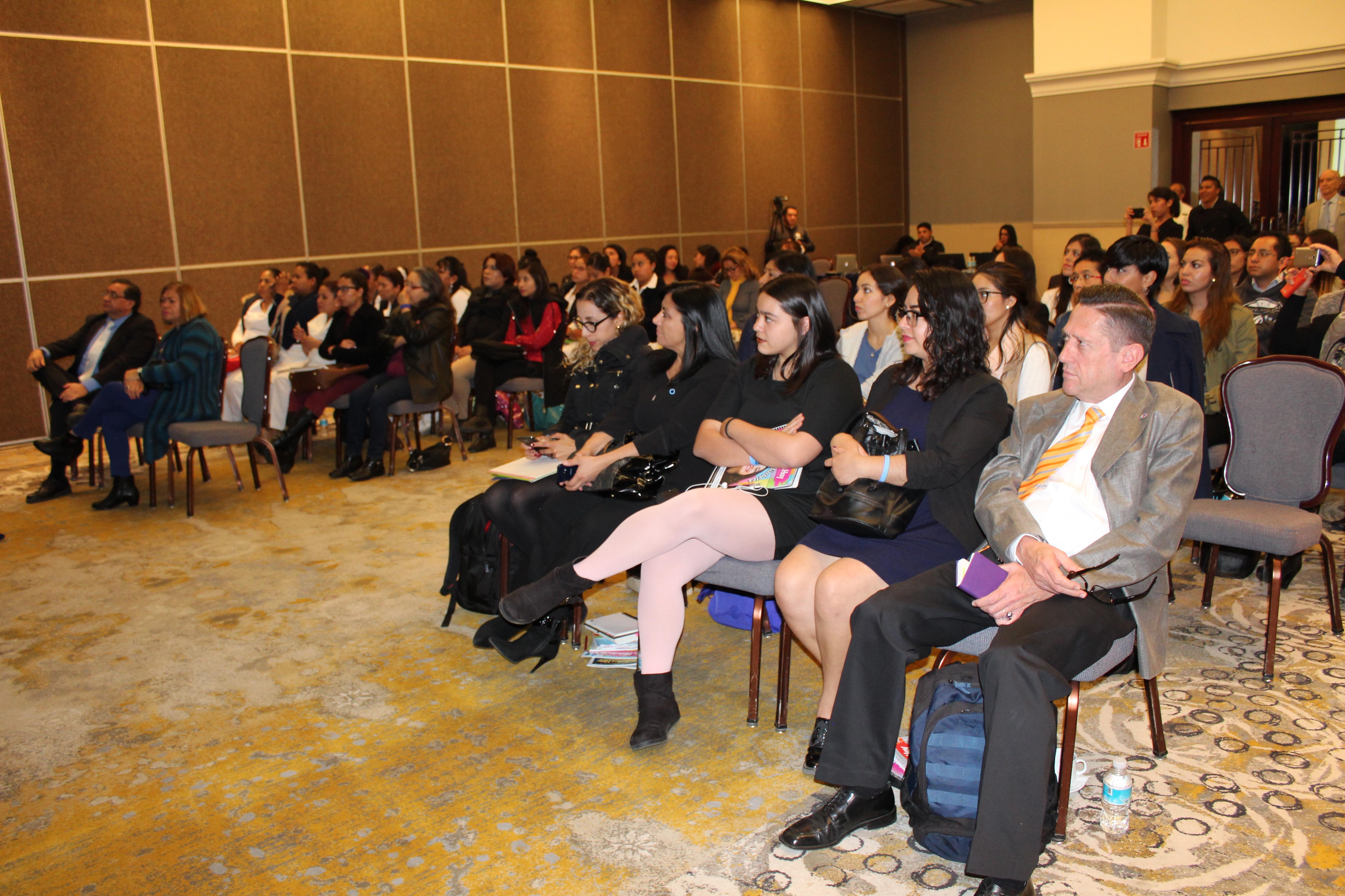 Profesionales de la salud intercambian conocimientos alrededor del Día Mundial de la Diabetes